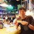 予約受付開始! 2018年7月25日(水)「関西ライターズリビングルーム」第十六夜のゲストは「デイリーポータル Z」「メシ通」などで大活躍のライター、スズキナオさん。新刊『酒の穴』発売記念トークです。